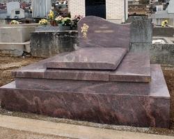 GRANIT ET MARBRES MOURIER - LA SOUTERRAINE  - Monument particulier
